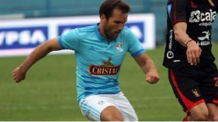 Renzo Revoredo deja Sporting Cristal para jugar por Melgar hasta fines de año 2017