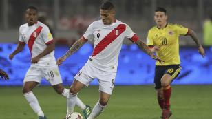 (VIDEO) Hinchas peruanos recibieron a Paolo Guerrero en su llegada a Suiza