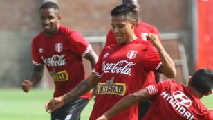 Selección peruana: ¿es factible jugar con dos puntas?