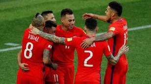 Chile convocó a 19 jugadores del exterior