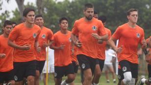 Universitario de Deportes inició pretemporada en Campo Mar con insólita indumentaria