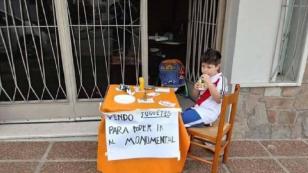 La historia de Renzo, el niño que puso en venta sus juguetes para ir a la final de la Copa Libertadores (VIDEO)