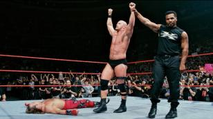 SHAWN MICHAELS VS STONE COLD (MIKE TYSON COMO ARBITRO ESPECIAL)