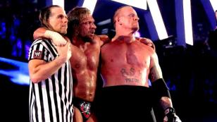 HHH VS THE UNDERTAKER – SHAWN MICHAELS COMO ÁRBITRO ESPECIAL