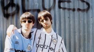 Liam y Noel Gallagher fieles al Manchester City